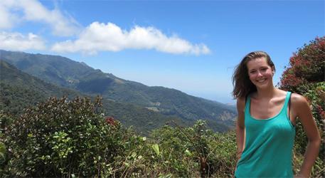 пышногрудые красавицы в горах